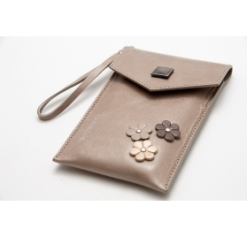 MALDIVE leather pochette case
